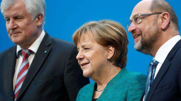 Χαμόγελα στις Βρυξέλλες για τη συμφωνία στη Γερμανία