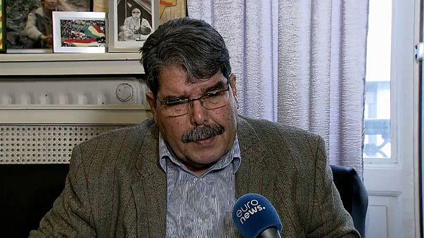 Dirigente kurdo en Siria acusa a Turquia de colaborar con el Daesh
