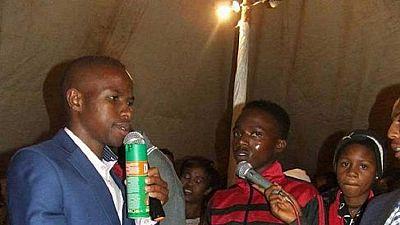"""Afrique du Sud : un """"prophète"""" qui soignait ses fidèles à l'insecticide jugé coupable"""