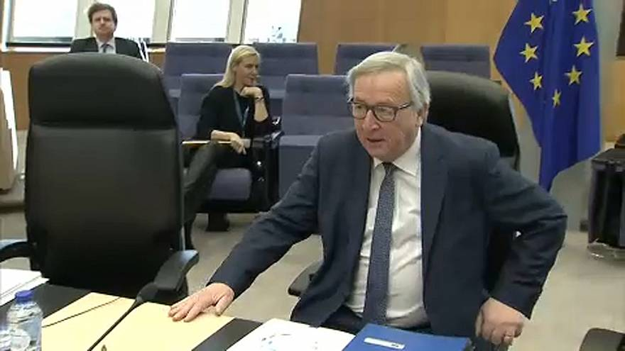 Brief: Juncker backs Spitzenkandidaten and Turkey looks to ease Aegean spat