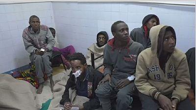 Libye : un camion se renverse avec des migrants