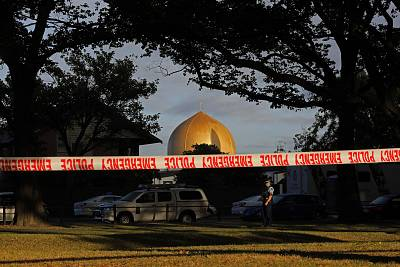 A police officer stands guard in front of the Masjid Al Noor mosque in Christchurch, New Zealand, Sunday, March 17, 2019.