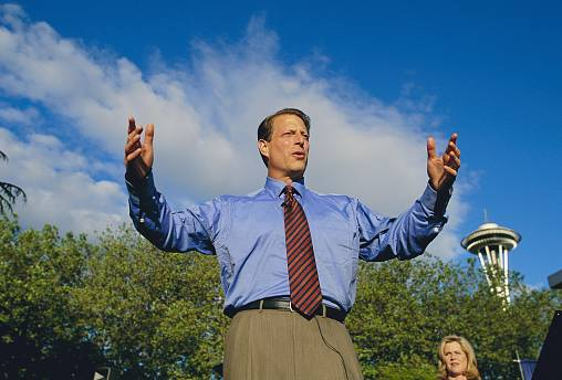 Image: Al Gore Giving Speech During Campaign