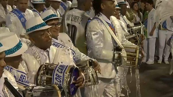 Desfile das escolas campeãs do Rio de Janeiro