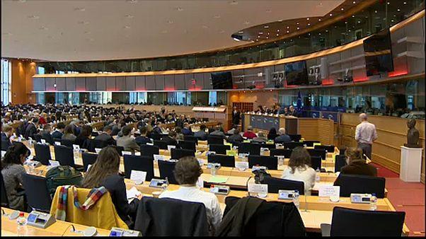 """""""Breves de Bruxelas"""": remodelação na Comissão Europeia e a luta contra o terrorismo."""