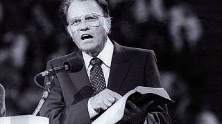 Obama, Trump lead tributes celebrating the life of Billy Graham