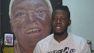 Au Ghana, des personnes âgées inspirent un artiste peintre [no comment]