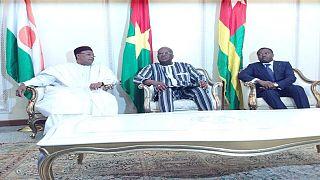 Attaques à Ouagadougou : l'enquête se poursuit, arrivée de deux présidents ouest-africains