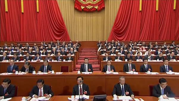 Akár élete végéig hatalmon lehet a kínai elnök