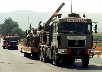 An artillery convoy moves up near Israel\'s border with Lebanon in August, 1995, after Hezbollah Katyusha rockets hit Kiryat Shmona.