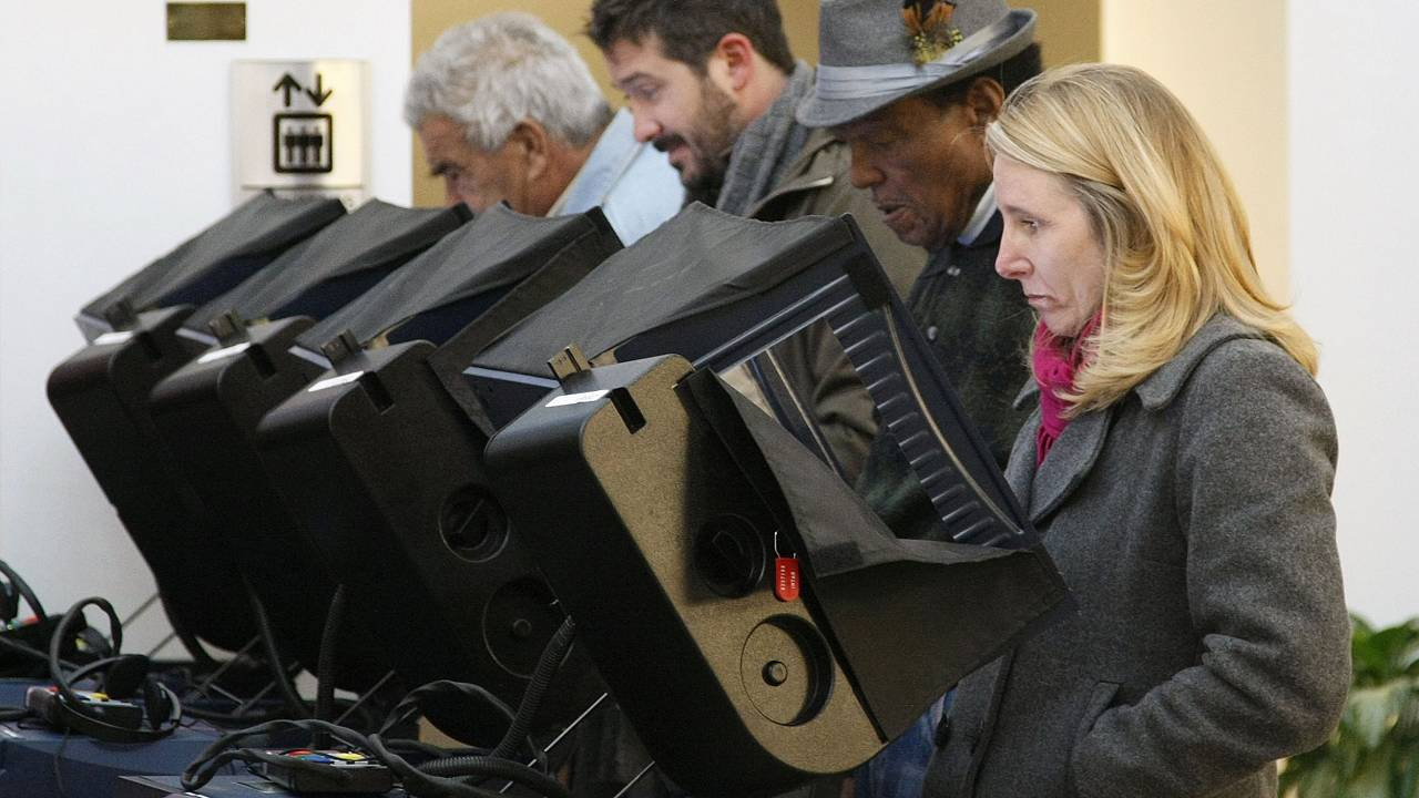 Image: voting machines