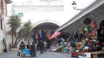 Tunisie : de futurs médecins manifestent pour leur diplôme