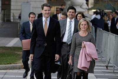 Bill Baroni and Bridget Kelly leave federal court in Newark, New Jersey, in November 2016.