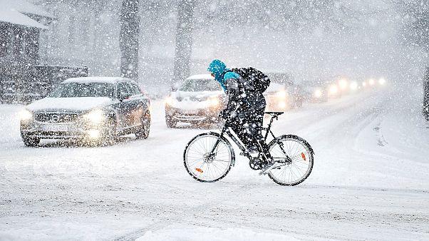 Más calor en el Ártico y más frío en Europa en febrero