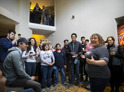 Eliz Markowitz thanks volunteers, including Beto O\'Rourke, at left, who canvassed on her behalf on Jan. 11.