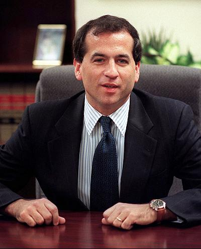 Newly appointed independent counsel Robert Ray poses for photographers in Washington on Oct. 25, 1999.