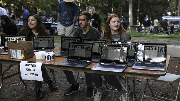 Image: Student volunteers