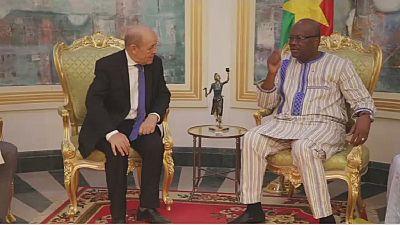 """Burkina Faso : Le Drian en visite après les attaques """"terroristes"""" du 2 mars"""