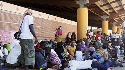 Mayotte residents rounding up illegal migrants