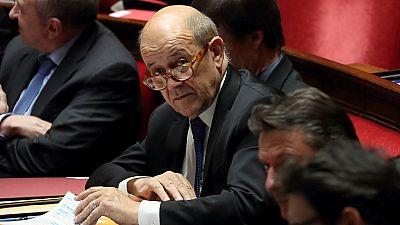 "Burkina : la ""coopération, riposte au terrorisme"" (Le Drian)"