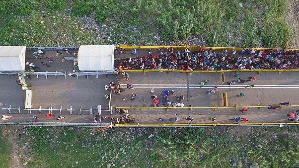 O êxodo dos venezuelanos para a Colômbia
