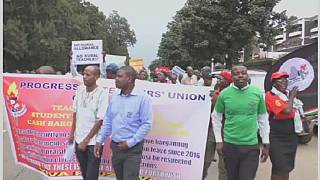 Zimbabwean teachers on strike