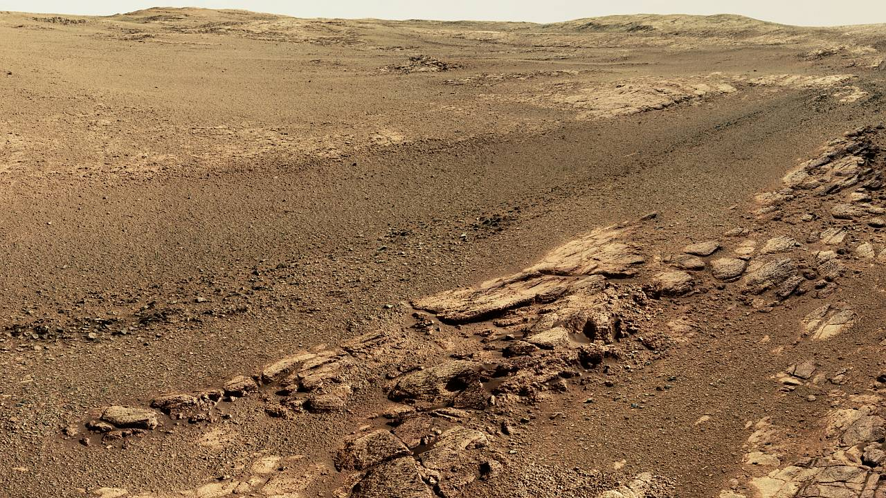 A view of the terrain on Mars from the Opportunity rover from May 13 throug