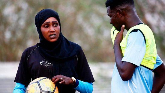 Au Soudan, la première femme coach d'un club de foot masculin [no comment]