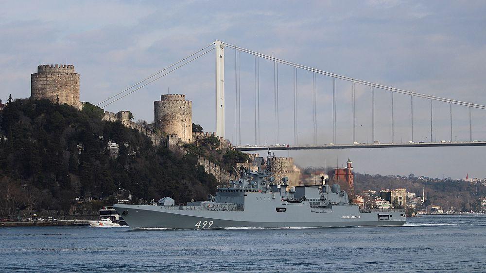 Turquía pierde 33 soldados en ataque, Rusia despliega buques de guerra en la costa de Siria 14