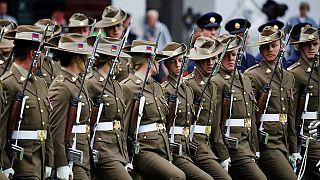 Au Kenya, les soldats britanniques s'exercent à la guerre