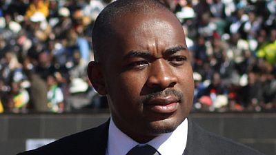 Le principal parti de l'opposition zimbabwéenne exclut trois de ses hauts responsables