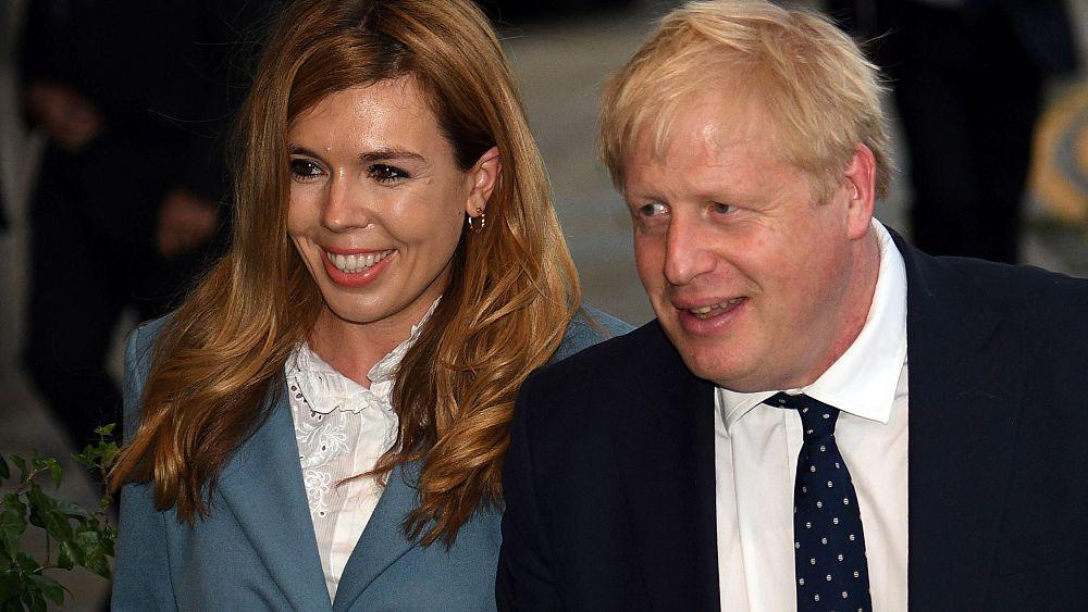 Boris Johnson, socio anuncia que esperan un hijo y están comprometidos 22