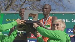 Kenyans, Lonyangata and Saina win the Paris Marathon 2018