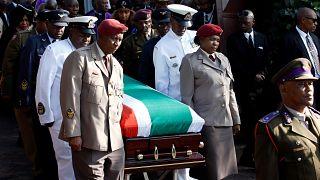 """[Photos]Afrique du Sud : l'ultime adieu à """"Mama Winnie Mandela"""""""