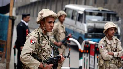 Eight Egyptian soldiers, 14 militants killed in Sinai attack, army says