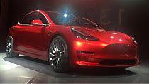 La production de la Model 3 de Tesla à nouveau suspendue