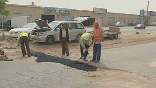Libya: Misrata residents mobilize to fill 'potholes'
