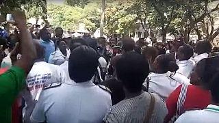 Zimbabwe : des infirmières licenciées manifestent à harare