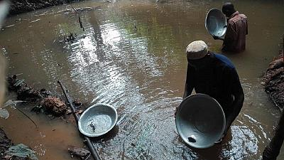 Cameroun : tensions entre Camerounais et Chinois sur l'exploitation industrielle de l'or
