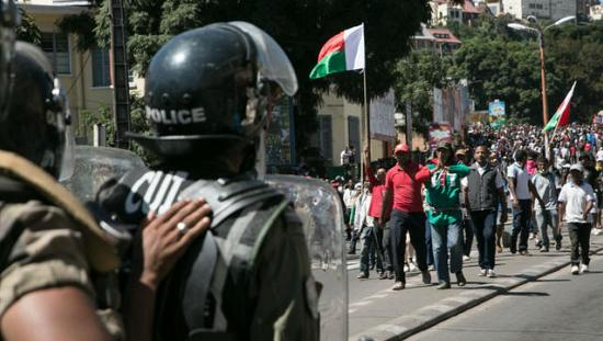 One killed, 16 injured as Madagascar police disperse protests [no comment]