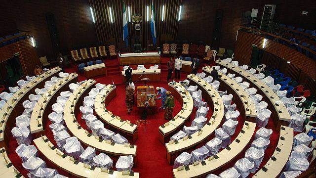 Sierra Leone : élection du président du Parlement dans la bagarre