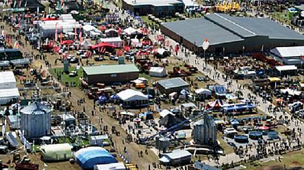 """South African Agriculture Fair"" opens its doors [No Comment]"