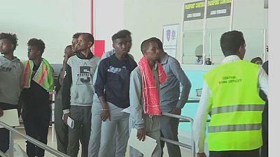 Somali migrants return home from Libya