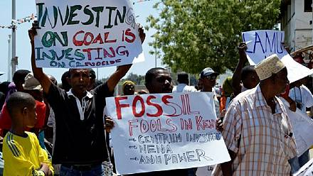 Les habitants de Nairobi protestent contre un projet de mine [no comment]