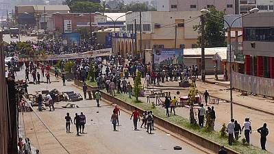 Hundreds stranded in Cameroon's Anglophone region, as separatists block roads