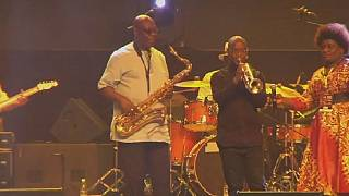 Cameroon's saxophonist Manu Dibango returns to Abidjan to celebrate music at 60