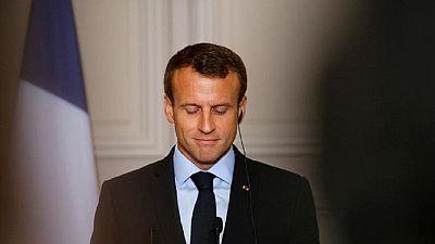 Macron au Nigeria pour rapprocher la France de l'Afrique anglophone