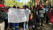 Zimbabwean opposition shows up in front of electoral commission to demand reforms [No Comment]