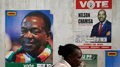 Présidentielle au Zimbabwe : Mnangagwa et Chamisa au coude à coude (sondage)