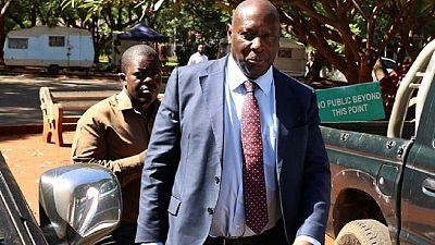 Un ancien ministre de Mugabe inculpé pour corruption